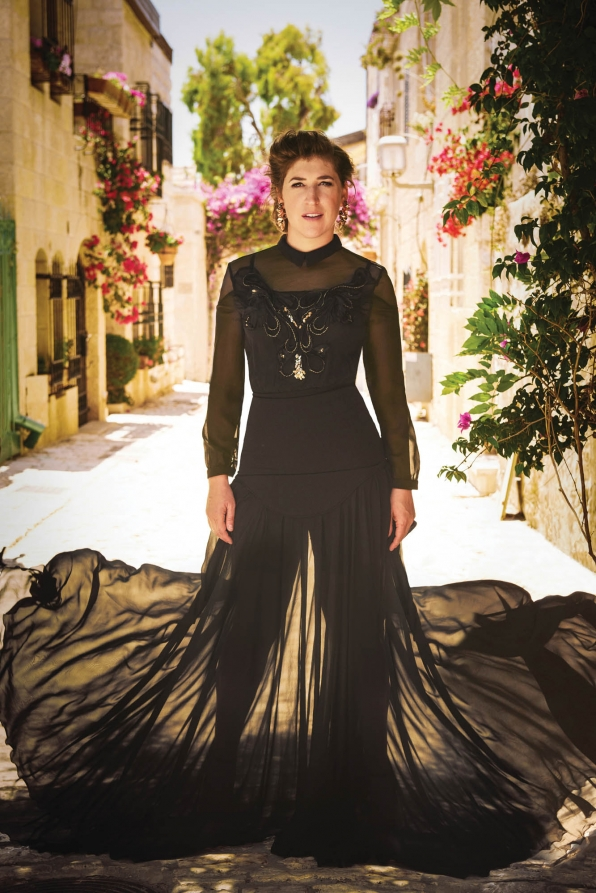 Mayim Bialik, especially when she tries a breathtaking look