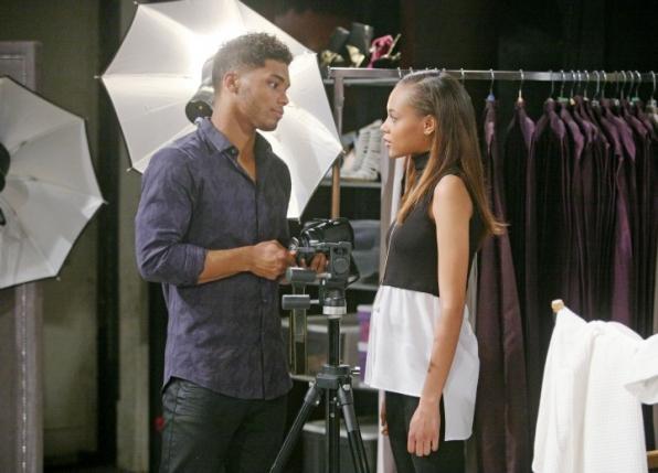 Zende turns down Nicole's invitation.