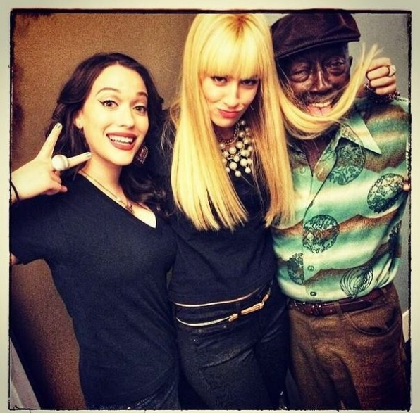 28. 2 Broke Girls - Kat Dennings, Beth Behrs and Garrett Morris