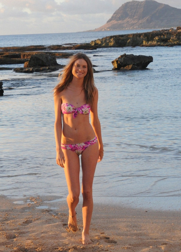 Supermodel Behati Prinsloo strutted down the beach on Hawaii Five-0.