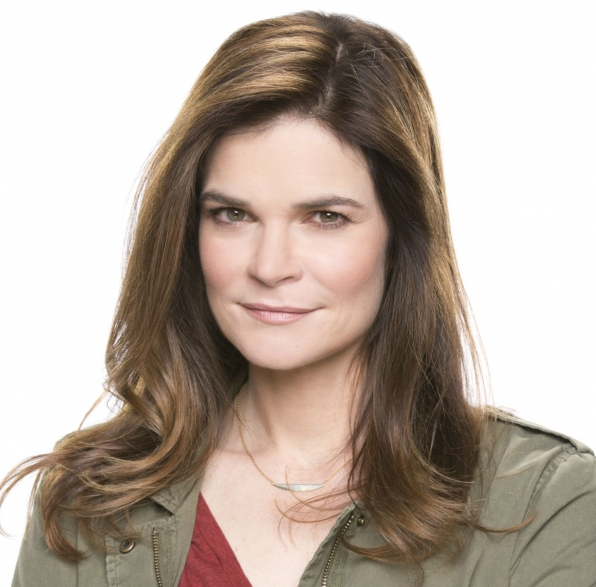 Betsy Brandt - Life In Pieces