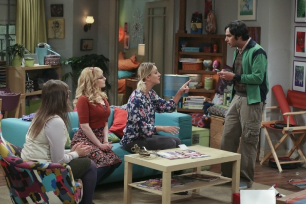 Raj asks the ladies for some dating advice after receiving a text from his ex, Emily.