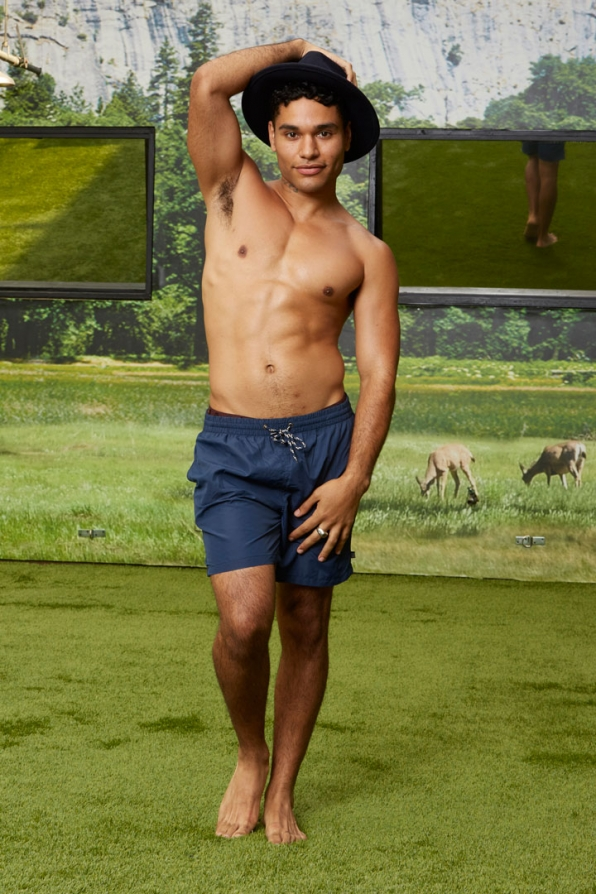 Jozea Flores holds onto his hat before Big Brother Season 18 starts.
