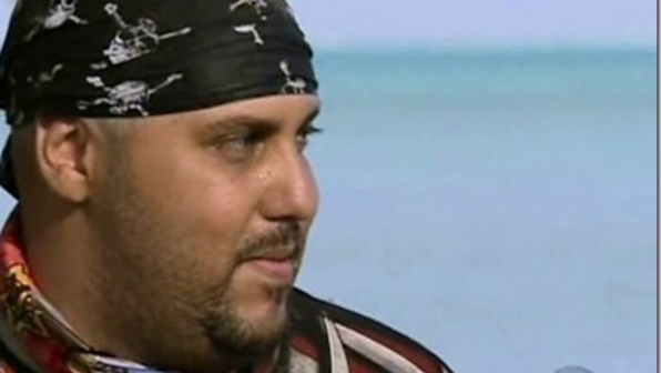 Billy Garcia professes his love to Candice Cody on Survivor: Cook Islands