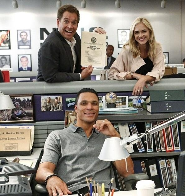 6. NCIS - Michael Weatherly, Emily Wickersham and Guest Star Tony Gonzalez