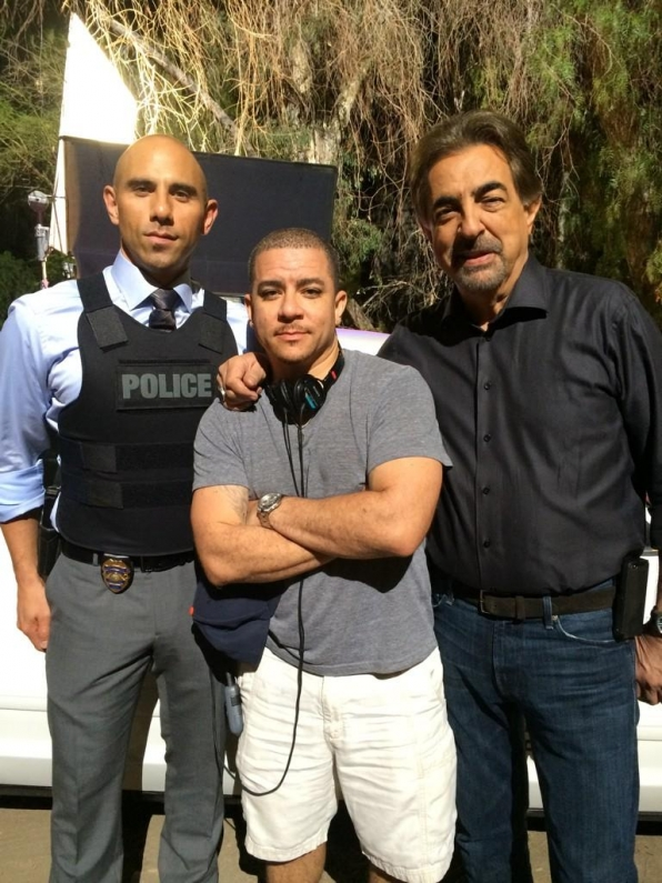 Twitter @VirgilWilliams: Chillin with 2 of my favorite #Chicago homies @BillyDec and @JoeMantegna on this #CriminalMinds set. #livingthedream