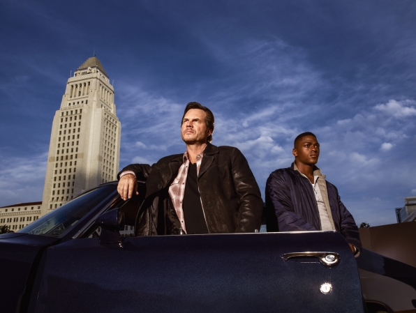 Bill Paxton as Det. Frank Rourke and Justin Cornwell as Det. Kyle Craig
