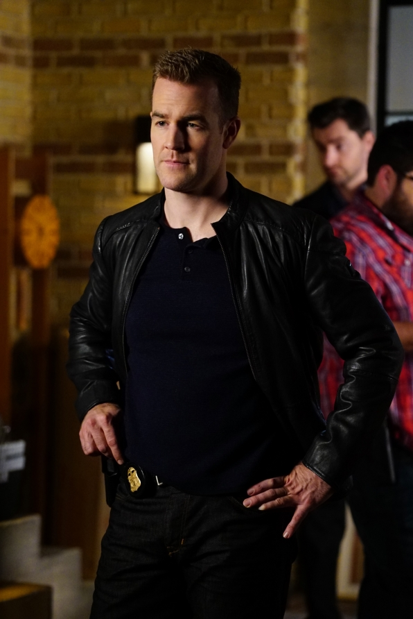 James Van Der Beek as Agent Elijah Mundo
