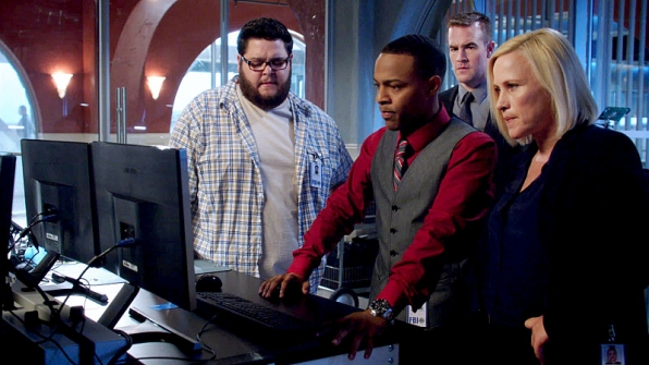 """CMND: Crash"" - CSI: Cyber S1 E2"