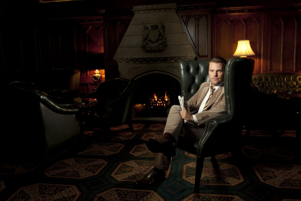 The fire is so delightful with handsome Chris O'Donnell around