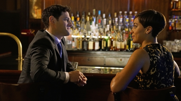 Prosecutor Colin Morrello meets Lucca Quinn in a Chicago bar.