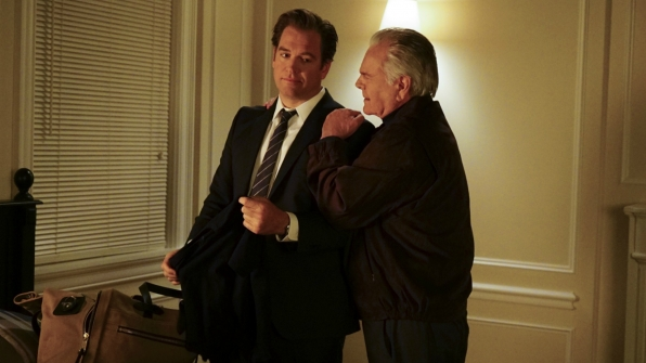DiNozzo shares a moment with his dad.