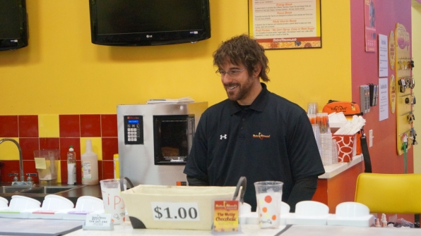 "Eric on the job in ""Retro Fitness"" Episode 14 of Season 4"