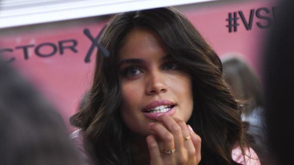 Angel Sara Sampaio takes one last look before hitting the runway.