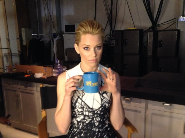 Elizabeth Banks - Behind the Scenes at The Late Late Show