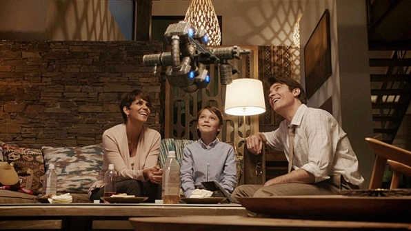A flying toy makes this family's evening that much more spectacular.