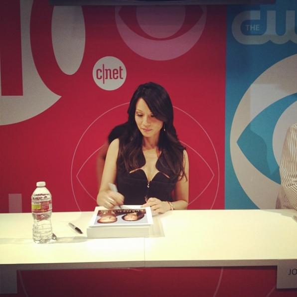 Lucy Liu Signature