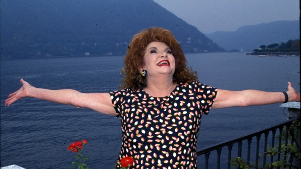 The late Darlene Conley drank in the beautiful weather in Lake Como, Italy.