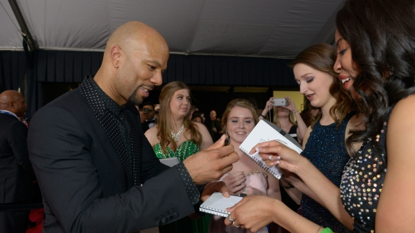 Common stops to sign autographs for fans