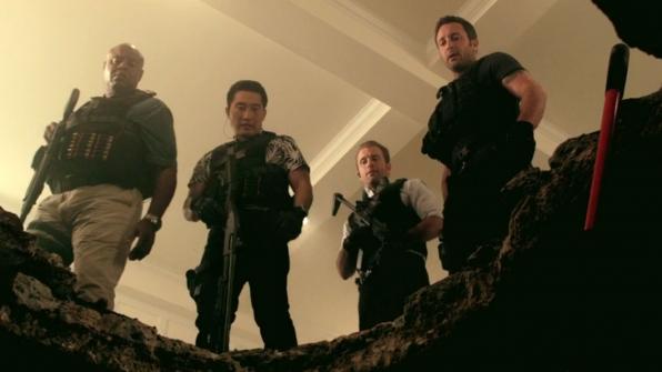 """Hawaii Five-0 - """"Mai ho'oni i ka wai lana malie"""""""