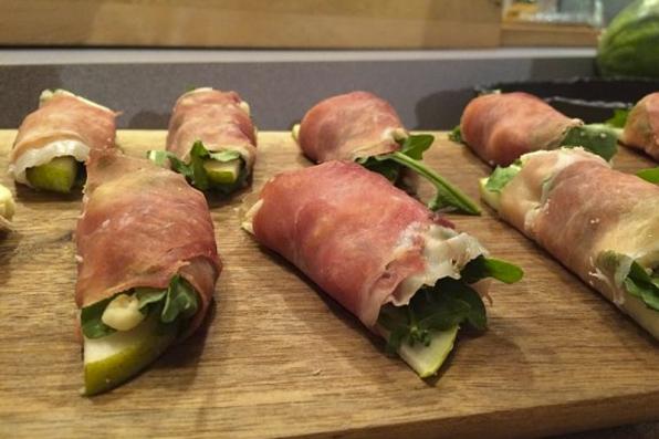 Haylie Duff's Pear, Arugula & Gorgonzola Prosciutto Wraps