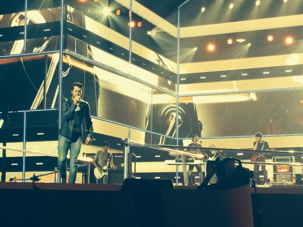 Luke Bryan - Fashion Rocks Behind-The-Scene Rehearsal