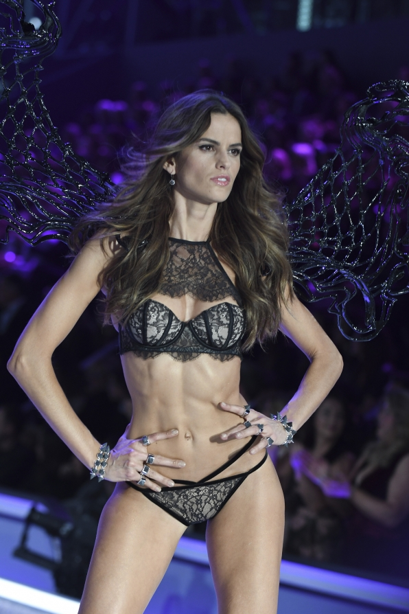 Izabel Goulart abs-olutely titillates in this skimpy ensemble.