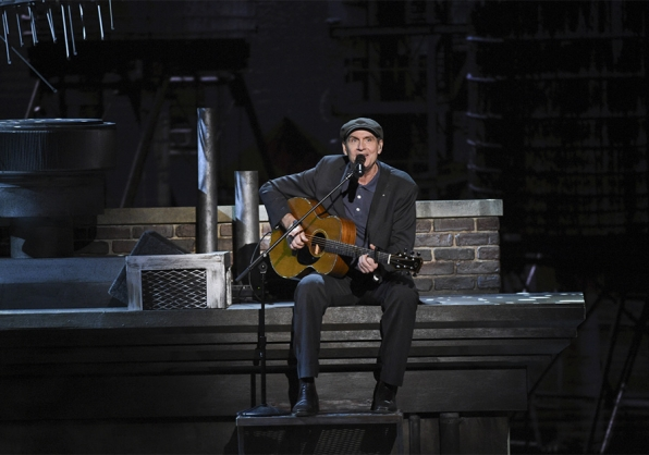Singer James Taylor delivers a heartfelt acoustic performance for honoree Carole King.