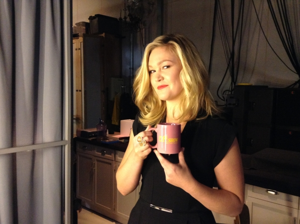 Julia Stiles - Behind the Scenes at The Late Late Show