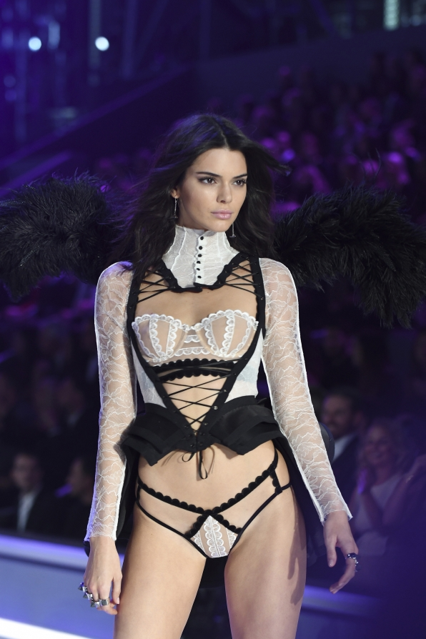 Kendall Jenner makes for one fetching French maid in this vivacious Victorian-inspired look.