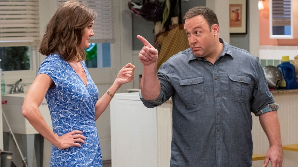 Donna (Erinn Hayes) and Kevin (Kevin James) in Kevin Can Wait