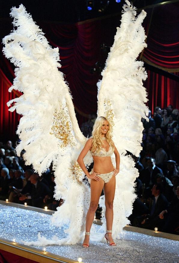 Heidi Klum ruffles feathers