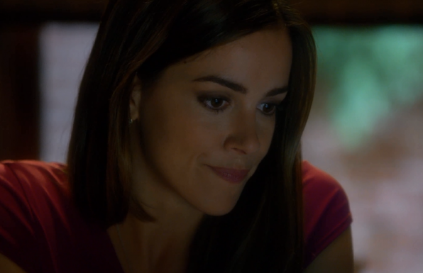 3. Lexi, played by guest star Tiffany Dupont, graduated from the University of Georgia, where she double majored in music (violin) and advertising.