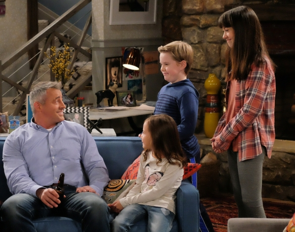 Adam (Matt LeBlanc), Emme (Hala Finley), Teddy (Matthew McCann), Kate (Grace Kaufman) in Man With A Plan