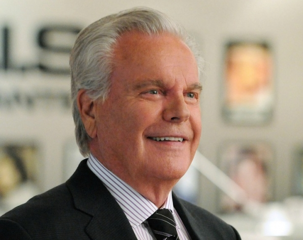 Robert Wagner as Anthony DiNozzo, Sr.