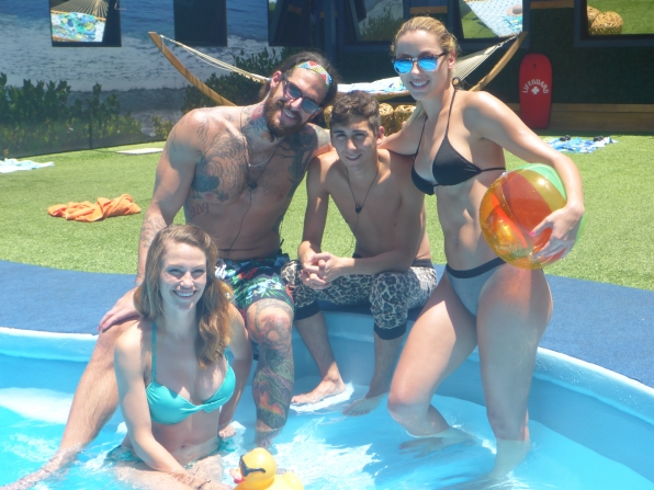 The HGs cool off poolside.