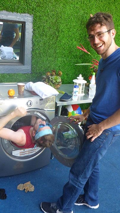 Steve and Johnny Mac do a little laundry