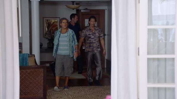 Michael Imperioli as Odell Martin, Alex O'Loughlin as Steve McGarrett, and Will Yun Lee as Flippa