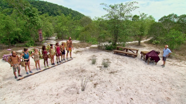 The final eight castaways gather for the next Reward Challenge.