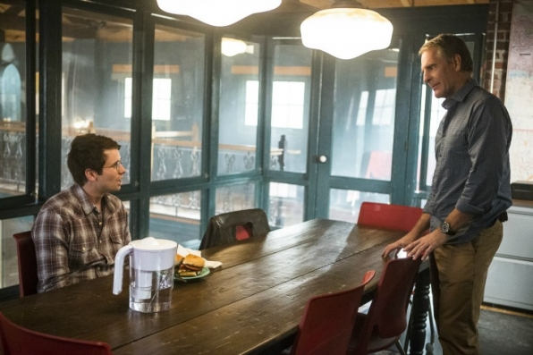 7. Pride brought Luca a grilled chicken with grilled vegetables sandwich, which Scott Bakula planned himself for the scene.