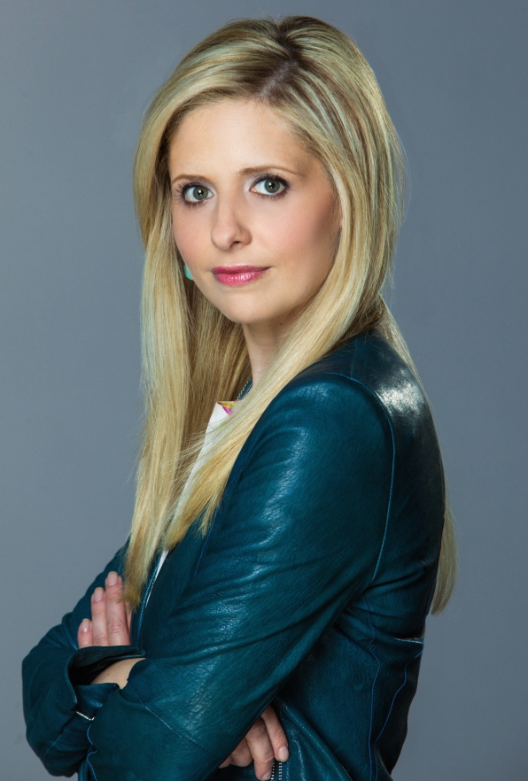 People's Choice Awards Winner: Favorite Actress in a New Series Sarah Michelle Gellar