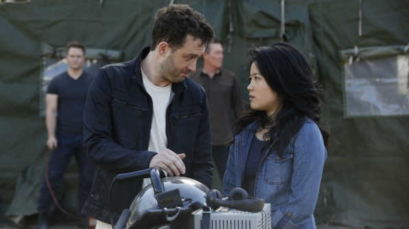 We're longing for Toby and Happy to figure out their relationship on Scorpion.