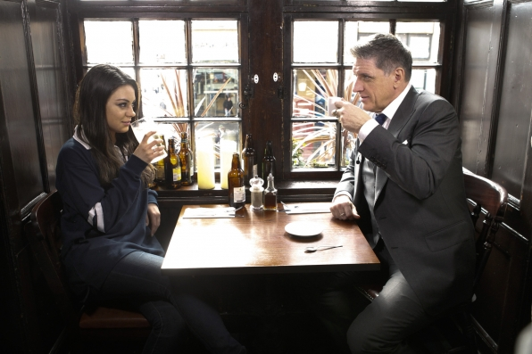 Mila Kunis and Craig Chat at an Edinburgh Pub