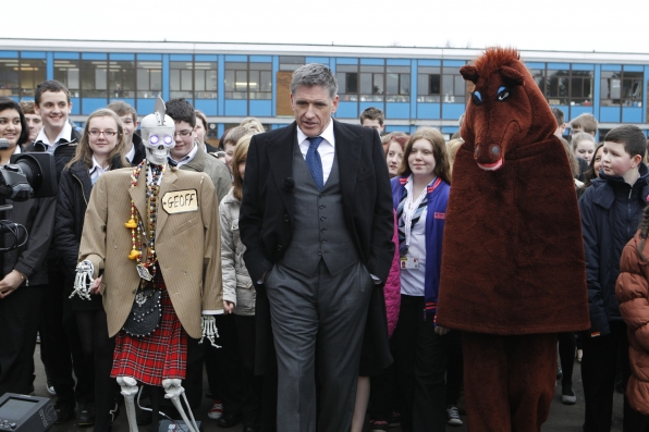 Craig Ferguson with Geoff, Secretariat and Cumbernauld High School Students
