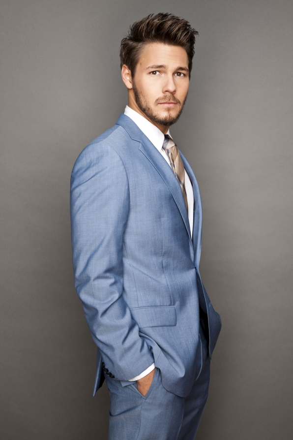 Liam Spencer (Scott Clifton)