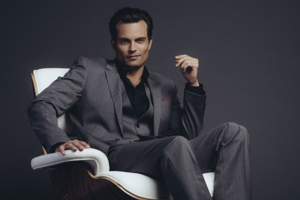 Joe Clark (Scott Elrod)