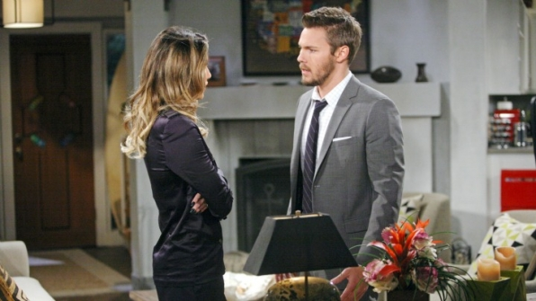 Steffy begs Liam not to leave her.