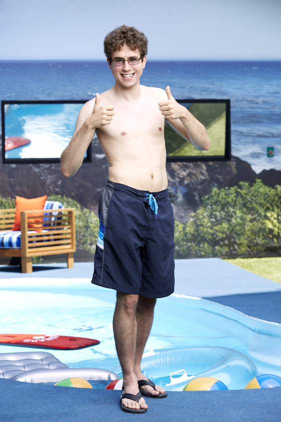 Steve gives BB17 two thumbs up.