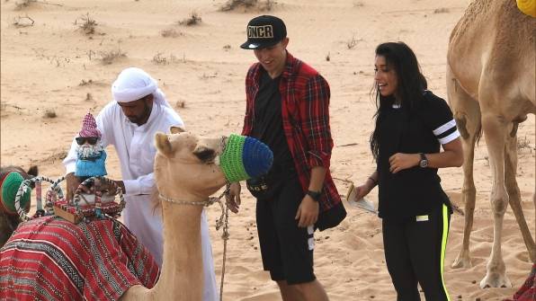 Matt and Dana work together to deliver a camel quartet for the next clue.