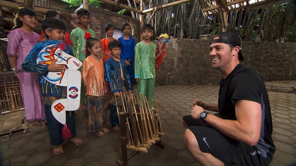 Tim sorts through bamboo in Season 23 Episode 9